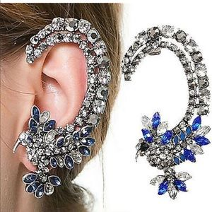 NWT! Beautiful rhinestone bird ear cuff earring